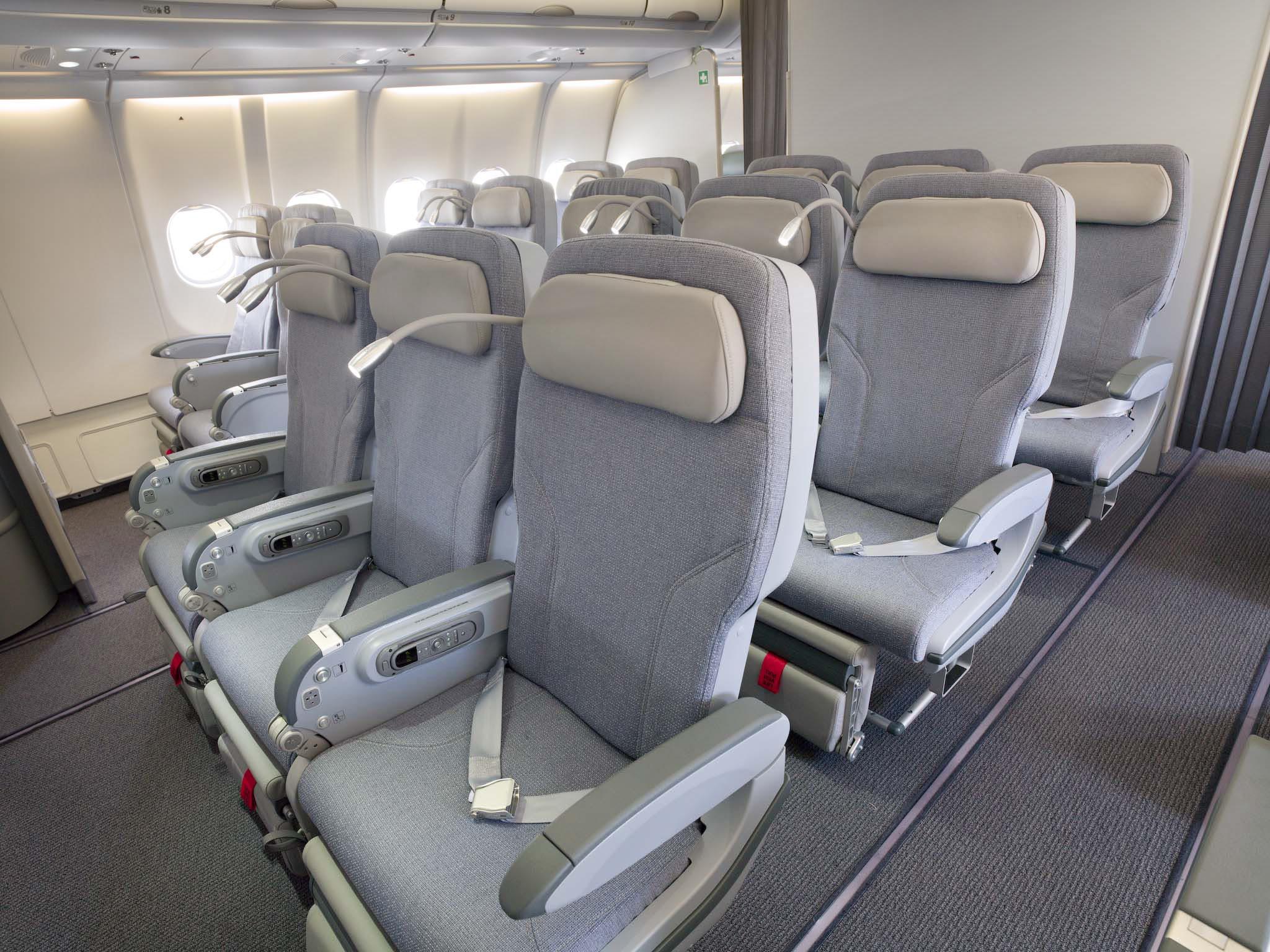 Presentato il primo airbus a330 della flotta alitalia di for Ba cabina di prima classe