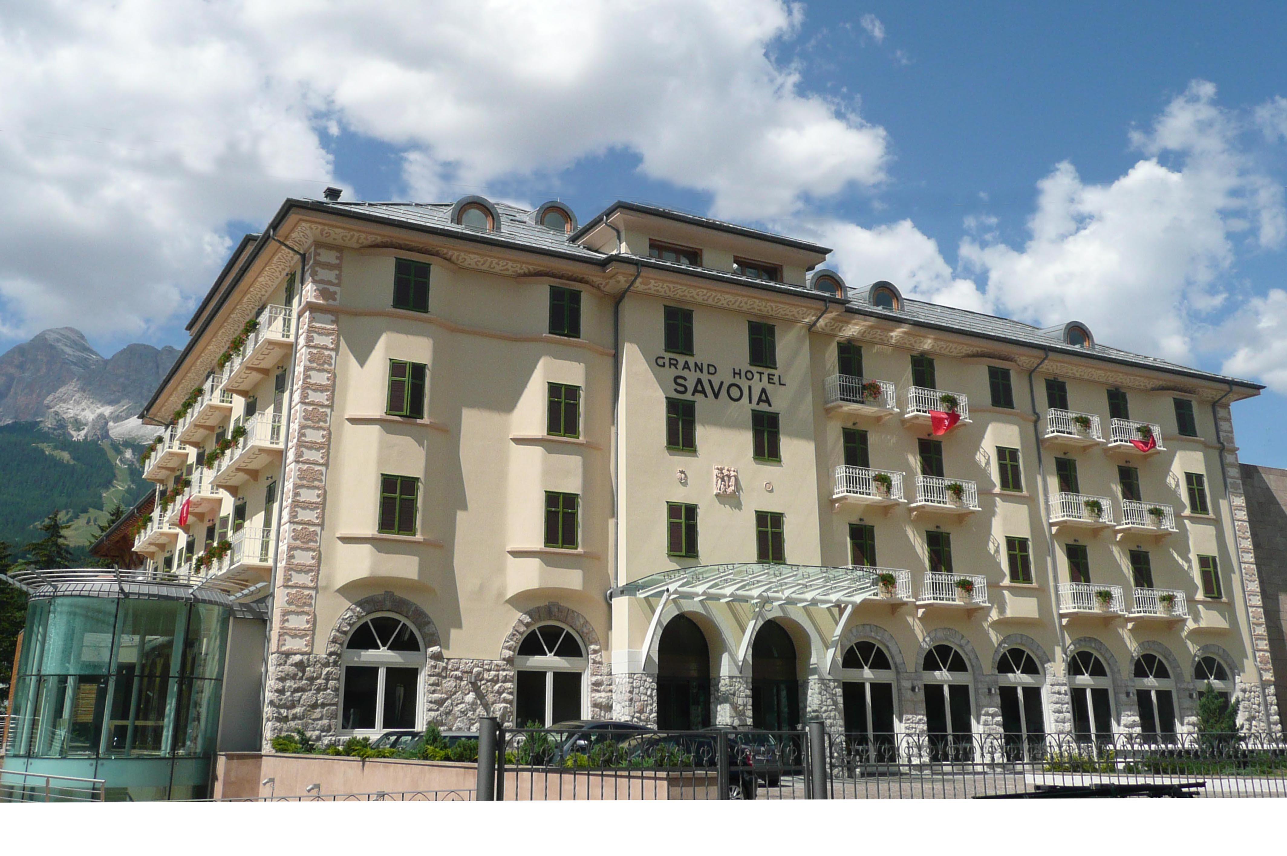 Aperitivo con l autore al grand hotel savoia a noi la - Hotel a cortina d ampezzo con piscina ...