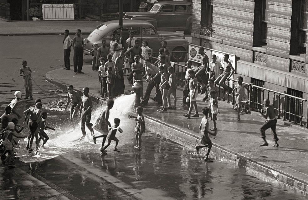 Gordon_Parks_Harlem_1948 (Immagine guida)