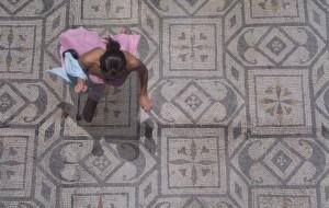Tre artiste Claudia Alessi, Robin Clerici, Isabella Ducrot alla Galleria Monty & Company di Roma.