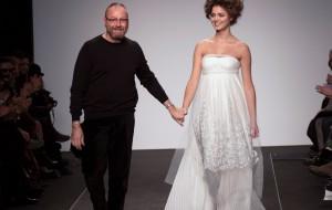 AltaRoma: Nino Lettieri e l'armonia tra abiti plissè e bellezze di Miss Italia.