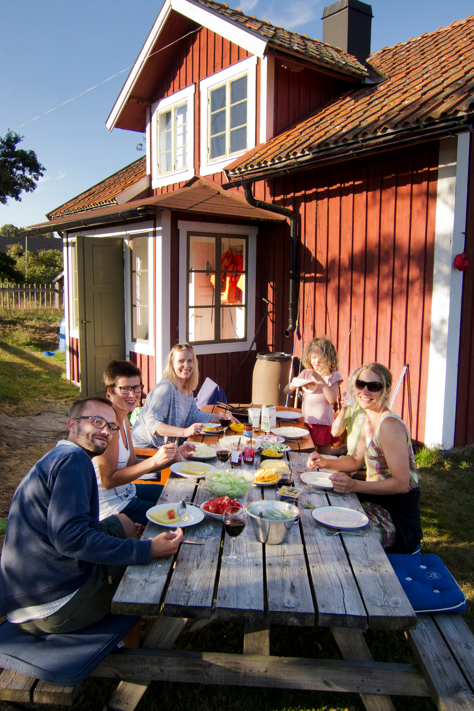 melker_dahlstrand-outdoor_meal-1687