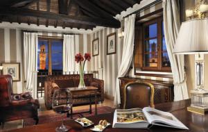 """Il Niquesa  Grand Hotel  Continental di Siena PER """"GIOCA CON L'ARTE"""""""