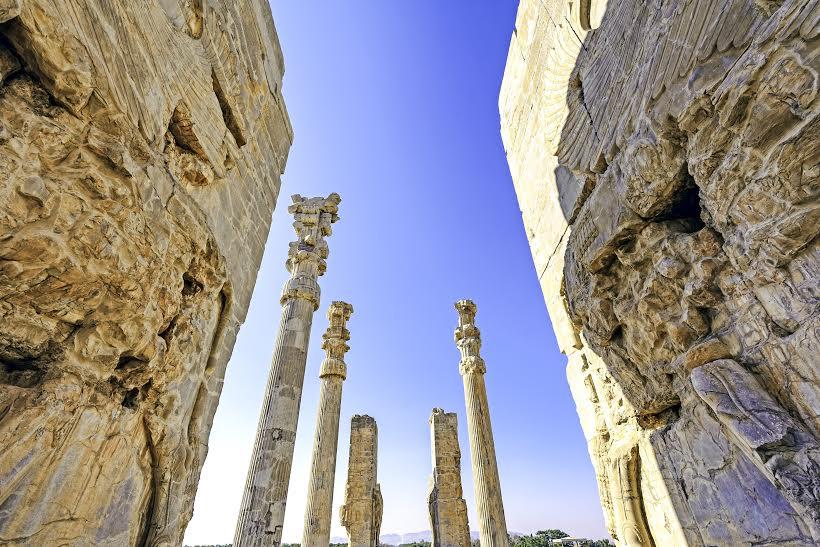 Viaggigiovani.it - gates of Xerxes palace in Persepolis, Shiraz, Iran.jpg