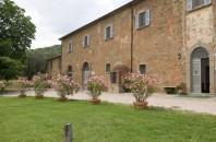 Antico Casale di Montegualandro e Spa di Tuoro sul Trasimeno (PG) invita a trascorrere il San Silvestro sul lago all'insegna del benessere